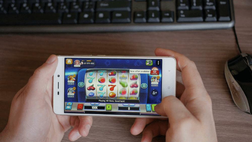 в мобильном казино играть